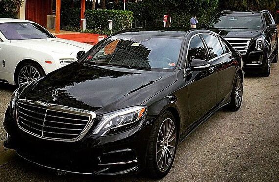 Hourly Limo Car Service Miami - Luxurious Limousine Near Me